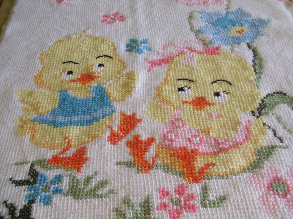 copertina lana culla maglia ricamata