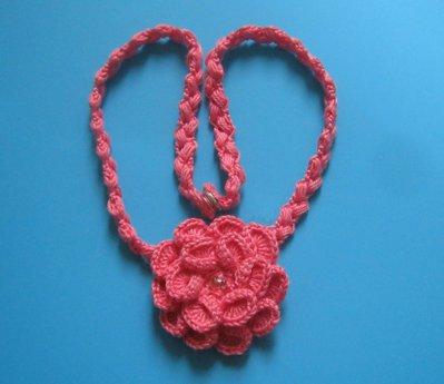 collana rosa in cotone