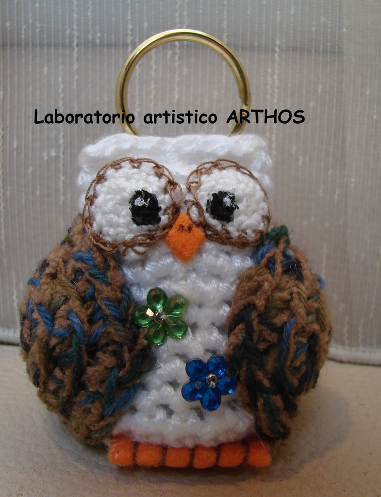 GUFO PORTACHIAVI  ALL' UNCINETTO  AMIGURUMI IDEA REGALO   ACCESSORI  BORSA DONNA IDEA REGALO
