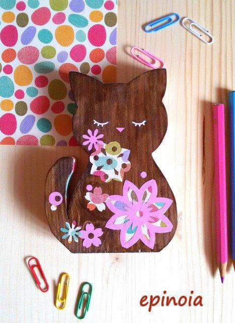 Gatto decorativo in legno    wooden cat