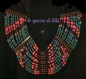 Collana multicolor in legno