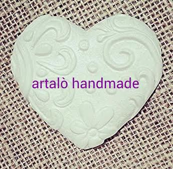 130 cuori con rilievi,gessetti profumati,diametro 6,5 cm(segnaposto,aprifesta,matrimonio,bomboniere)