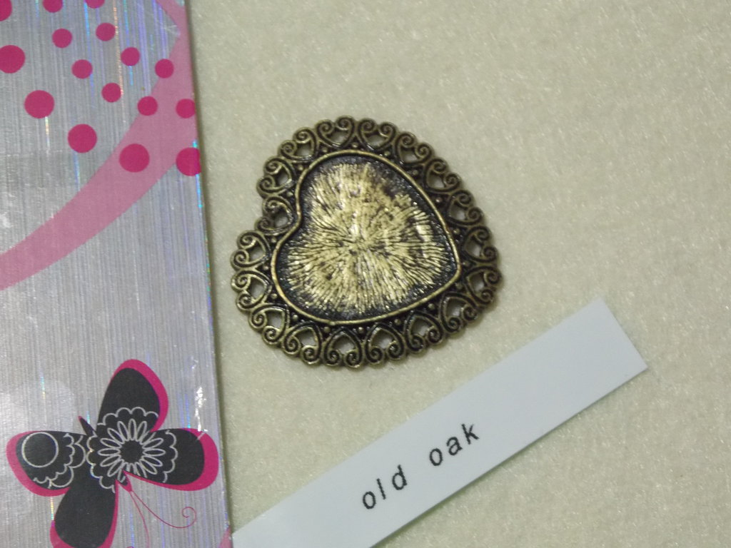 Medaglione per cabochon a forma di cuore, in bronzo antico pesante