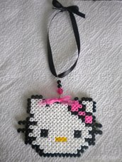 HELLO KITTY HAMA BEADS CIONDOLO BORSA