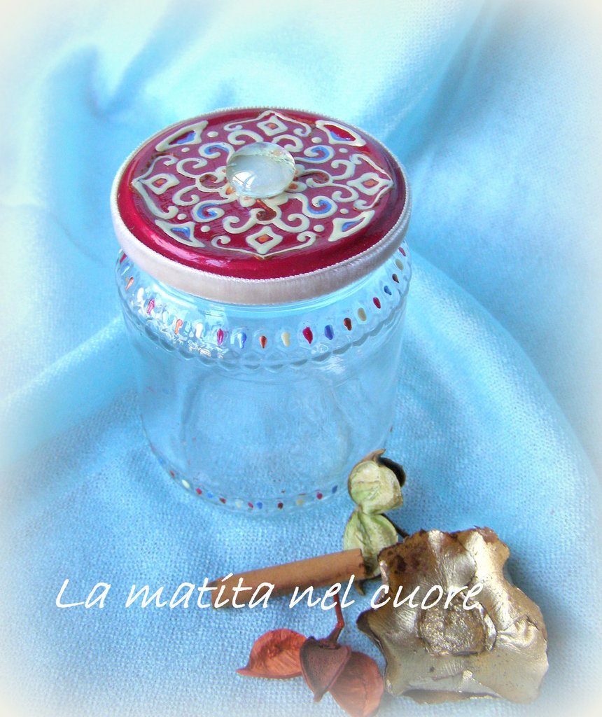 Vasetto vetro arabesco coperchio fondo rosso amarena e goccia dipinto a mano