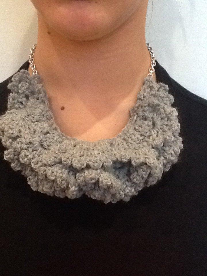 Collana Crochet Uncinetto In Lana Grigia