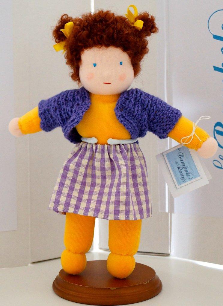 Chiara, bambola con il corpo colorato