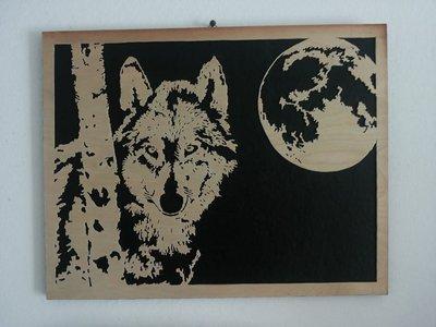 Quadro con lupo e luna in traforo