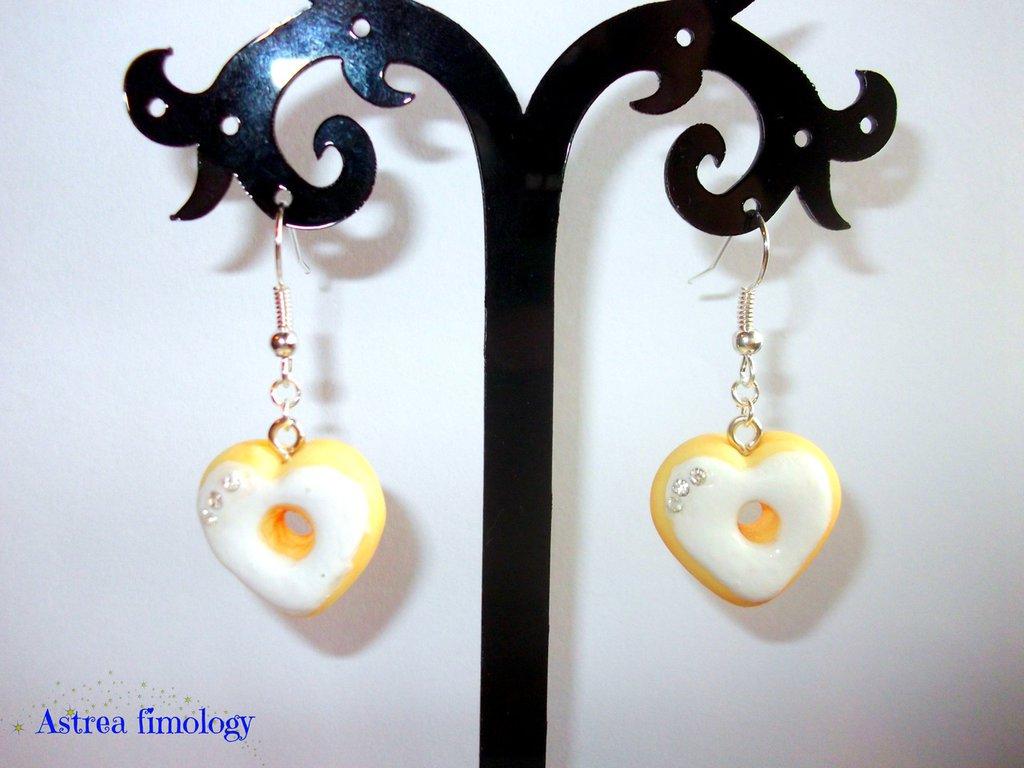 orecchini ciambella a cuore