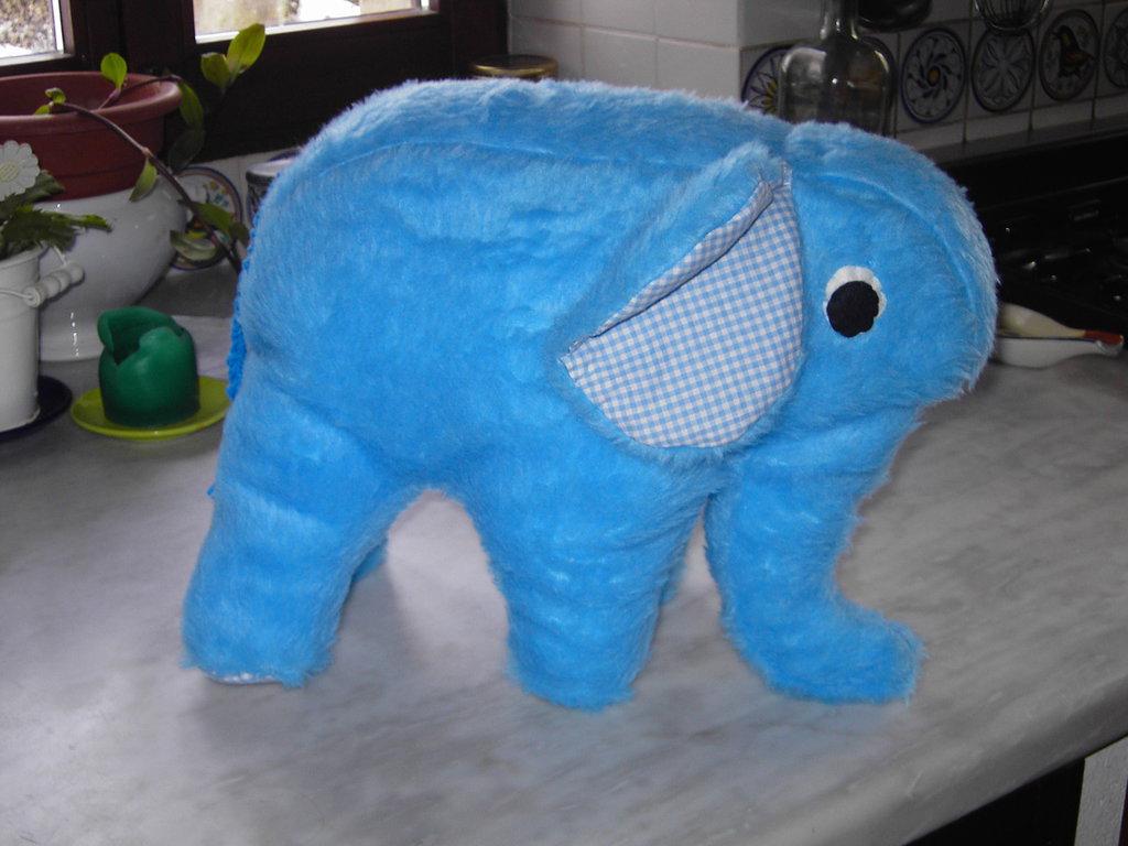 Peluche elefante azzurro