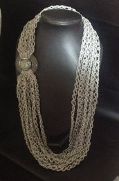 Lunga collana in lana lamé