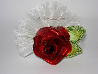 Bomboniera in seta Rosa con foglie in seta
