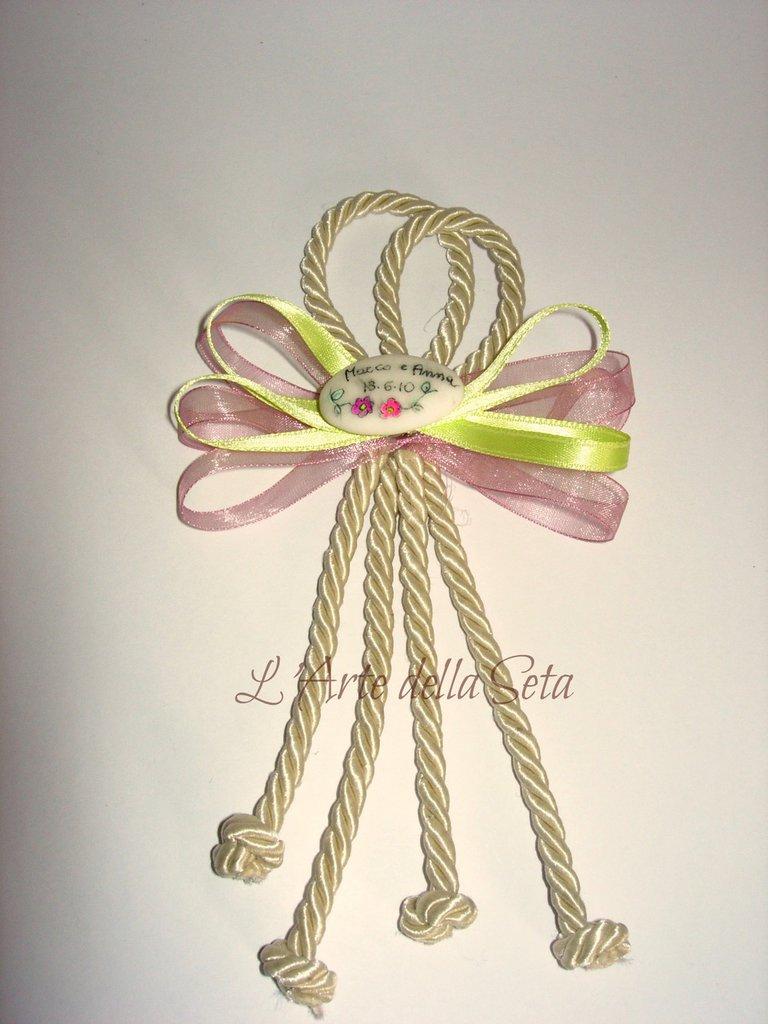 Bomboniera segnaposto cordone con confetto personalizzato