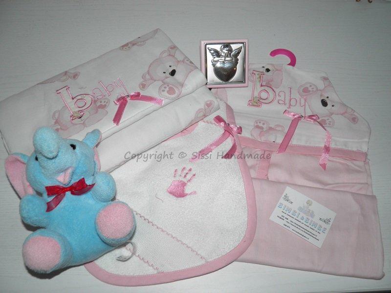 Corredino neonato: fasciatoio in tessuto/portapannolini/bavaglio double-face realizzato a mano; in cotone con orsetti rosa