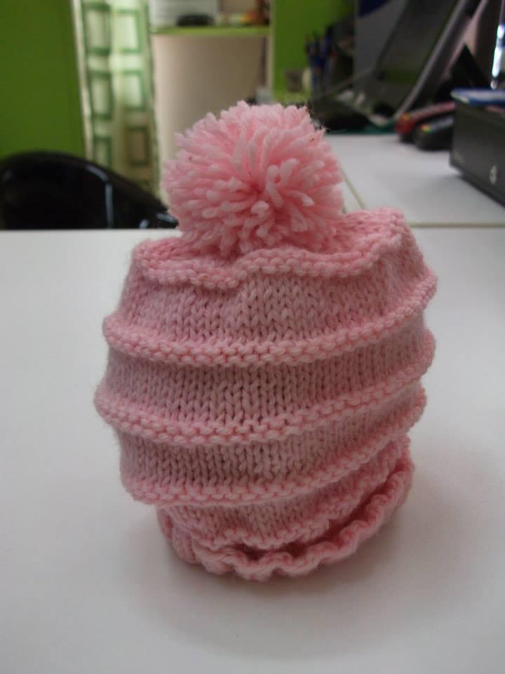 cappello bimba rosa con pon pon