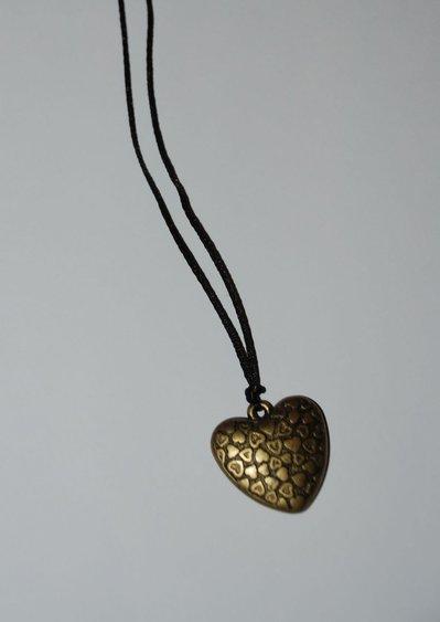 Collana lunga con ciondolo a cuore color bronzo