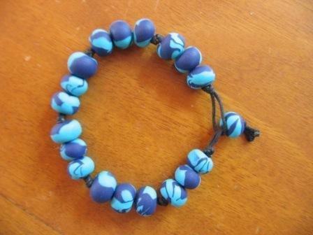 Braccialetto perle fimo blu azzurro