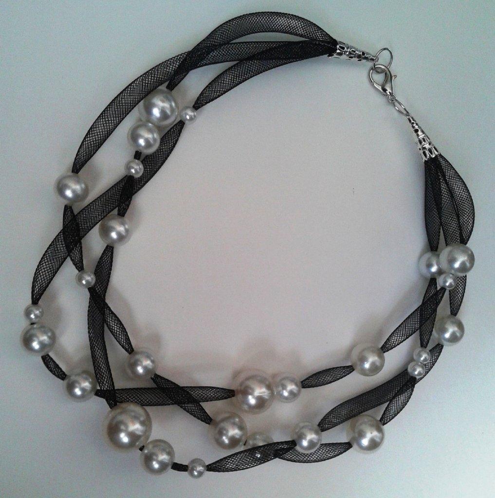 Collana leggerezza nera con perle