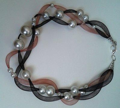 Collana leggerezza nera e rosa antico con perle