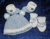 Scarpette-cappellino e muffolle bebè con sfumature particolari lana merinos