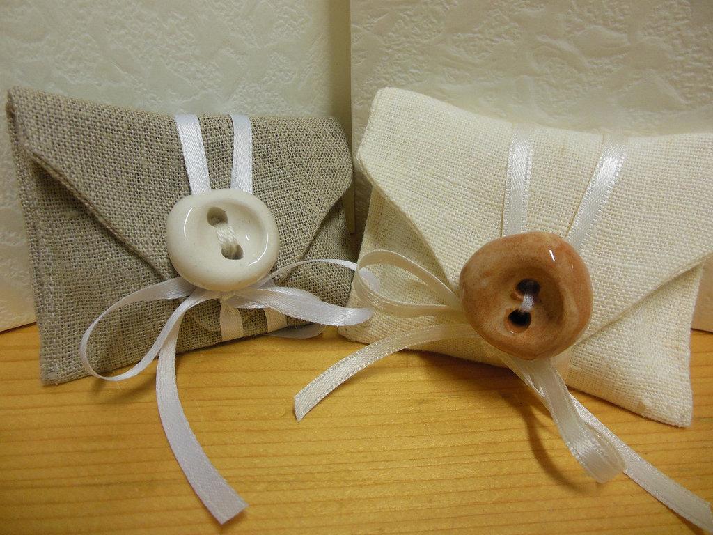 Bustina con bottone in ceramica