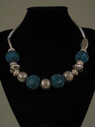 collana argentone e  perline