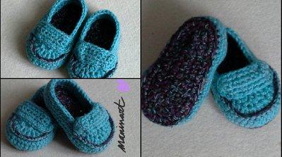 mocassini bebè all'uncinetto azzurro polvere