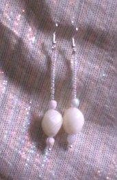 orecchini bianchi pendenti