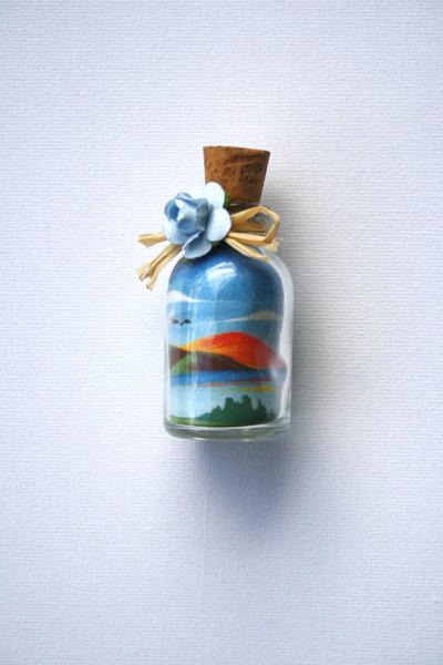 Bottiglia con paesaggio  - bomboniera - in sabbia mod. Piccolo