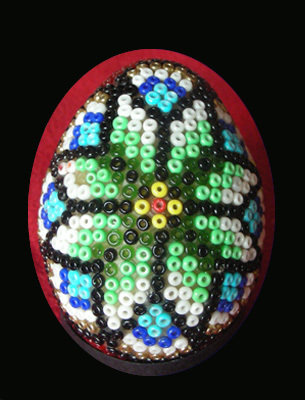 uova di pasqua con le perline