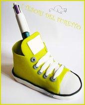 """Scarpina  Bomboniera  """"Sneakers Portapenne""""  cake topper fimo cernit idea regalo bomboniera idea regalo kawaii Bomboniera matrimonio comunione"""