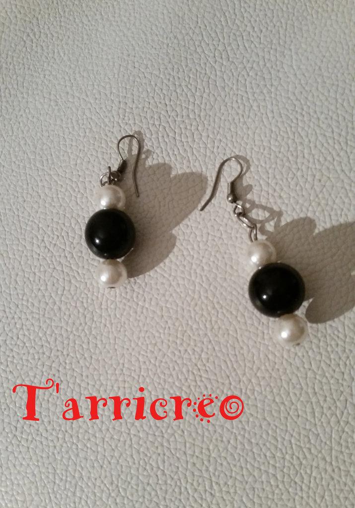 ORECCHINI TERSICORE - metallo morbido/perle bianche/pietra