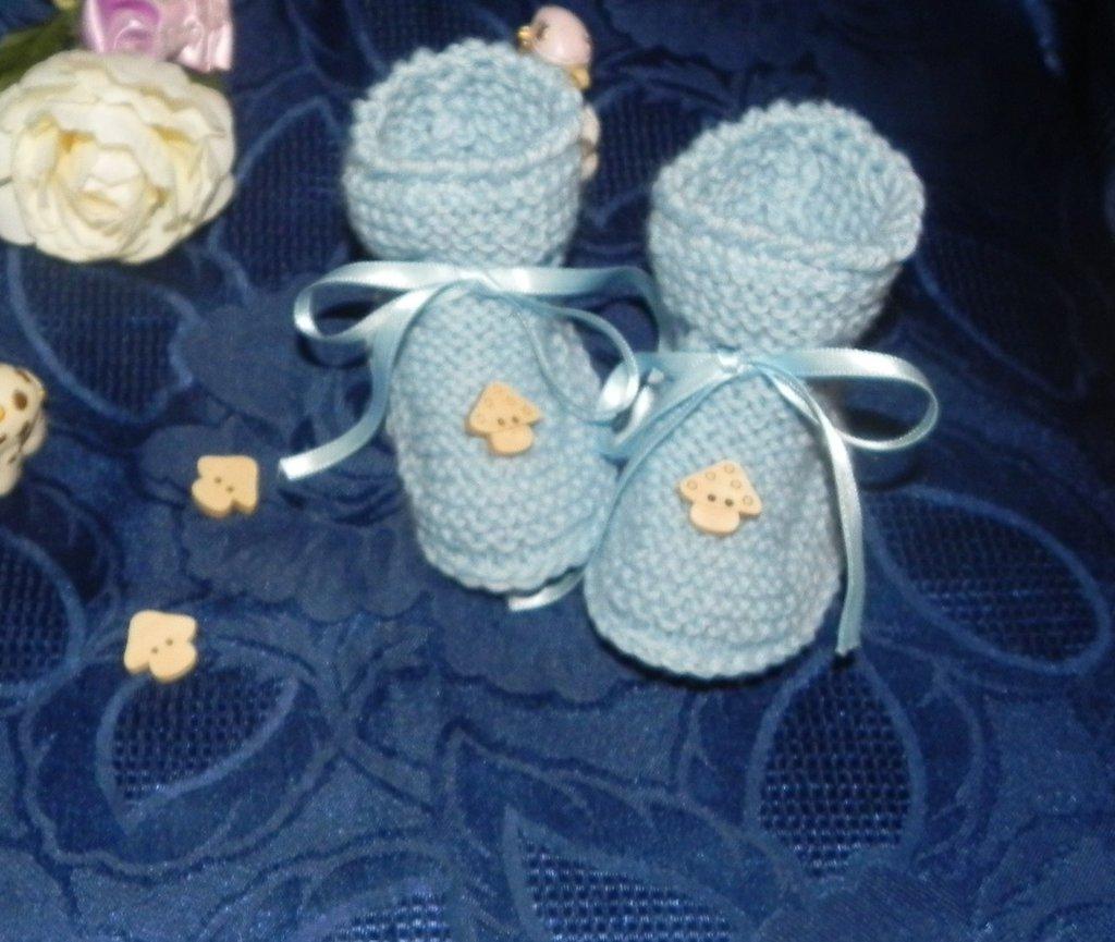 Scarpette neonato fatte a mano ferri + uncinetto