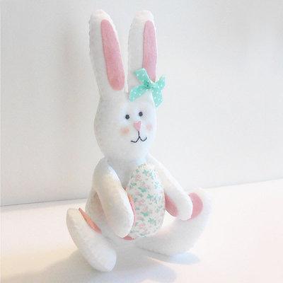 Coniglietto pasquale in pannolenci e stoffa