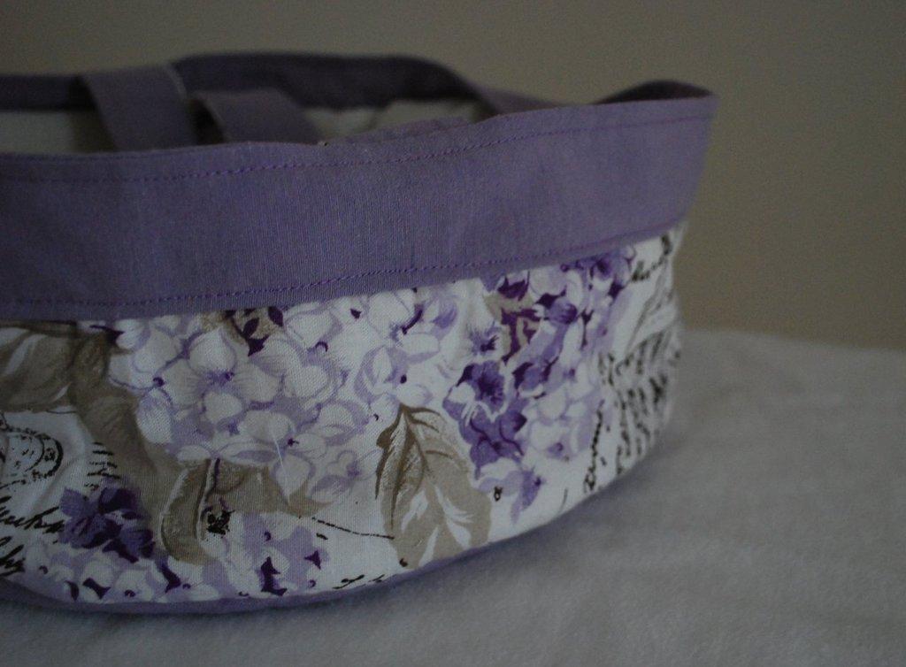 Borsa portatorte a fiori viola
