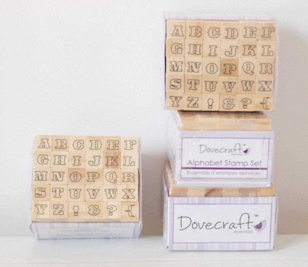 Set 30 timbri in legno - Alfabeto C