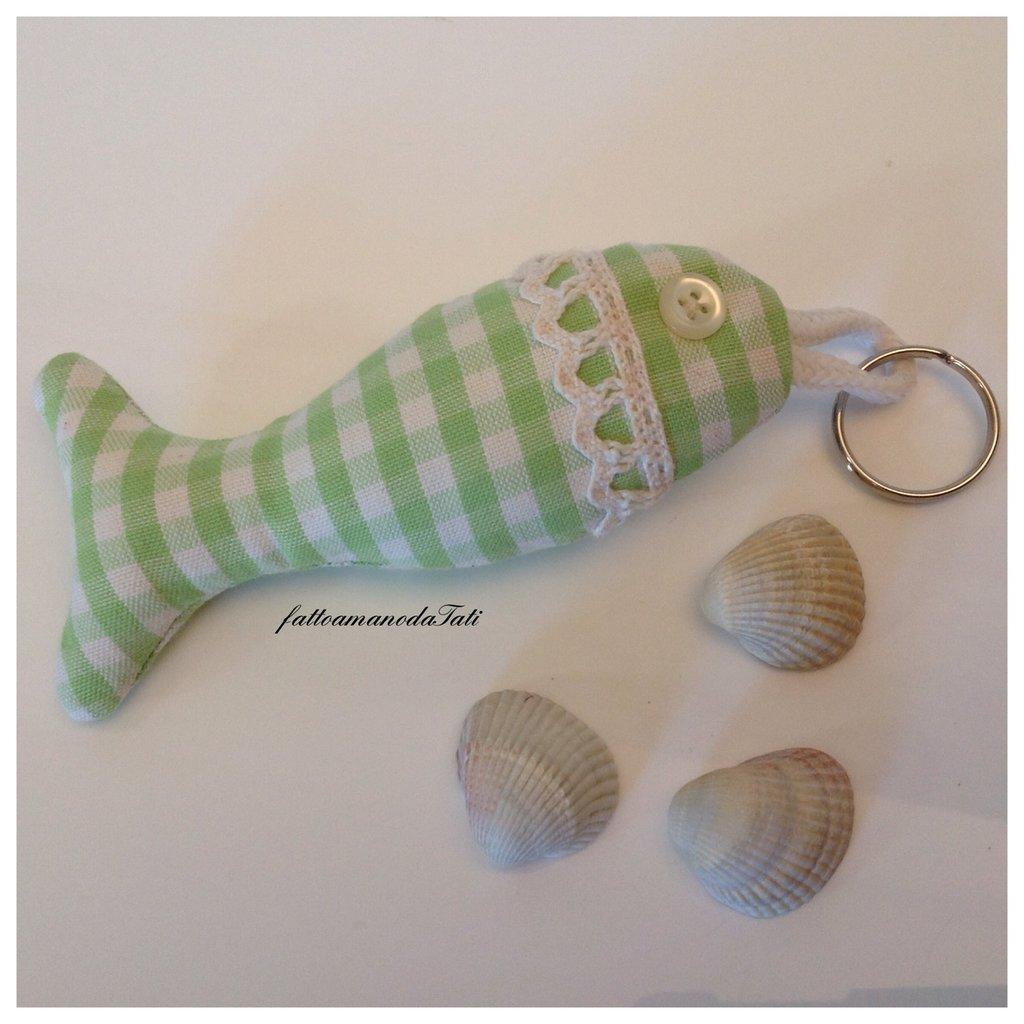 Portachiavi pesciolino in cotone a quadretti verdi