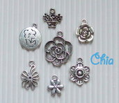 set 7 charms fiori lotto n°2