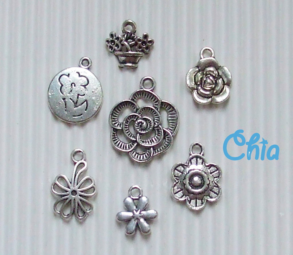set 7 charms fiori lotto n°2