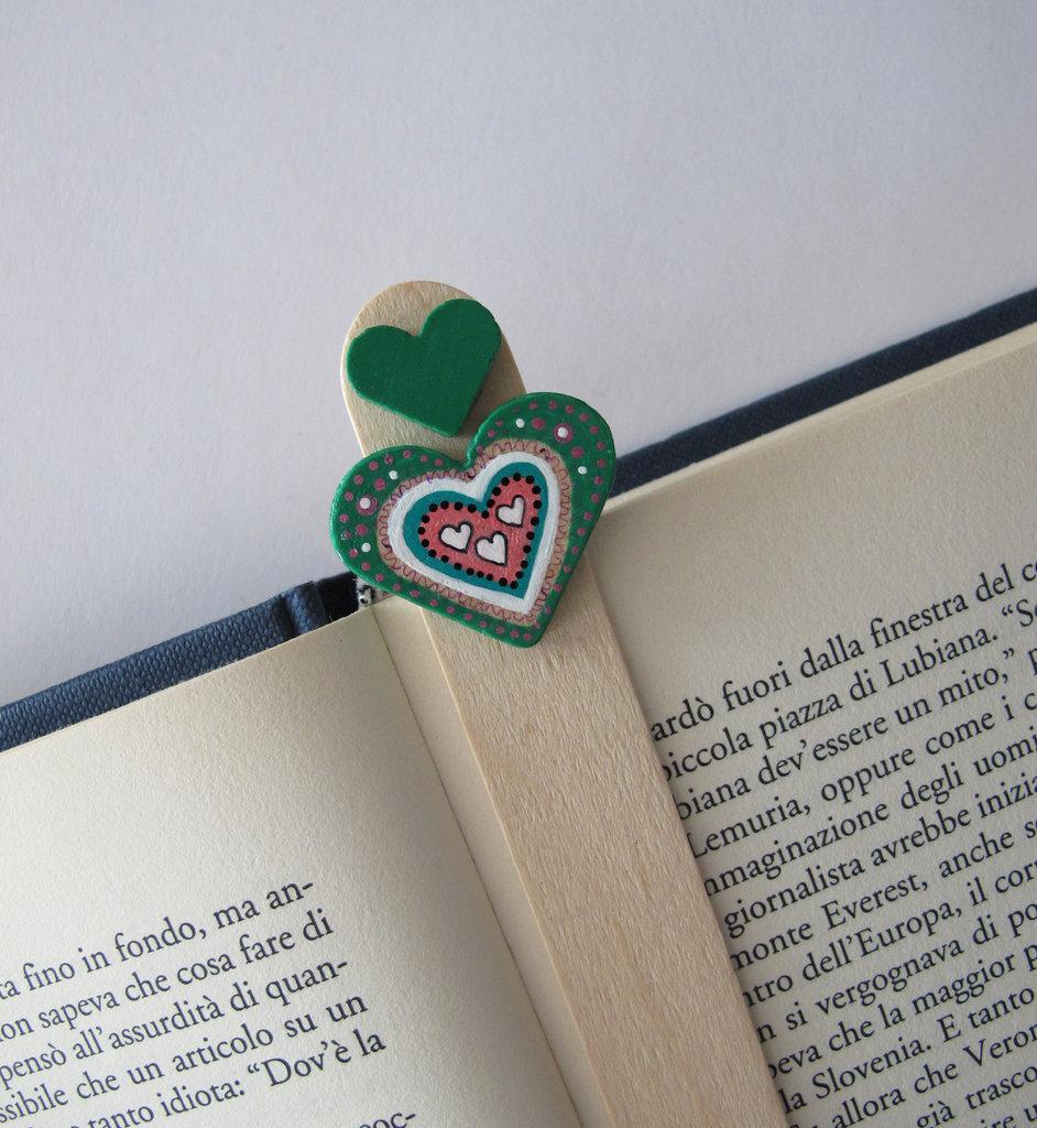 Segnalibro cuore in legno dipinto a mano 3