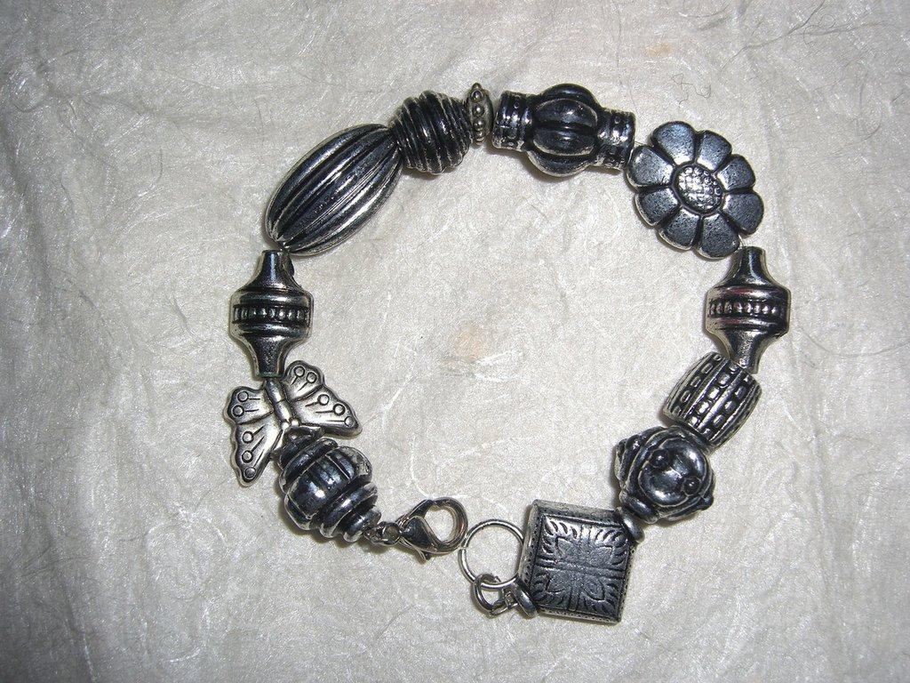Bracciale con perle in argentone piccole
