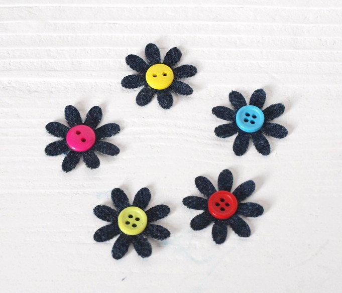 5 fiori fustellati in jeans - 25 mm