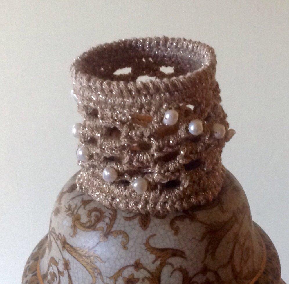 Bracciale semirigido a fascia con perle di fiume