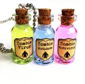 Collane con pendenti a bottiglietta: Trio Zombie