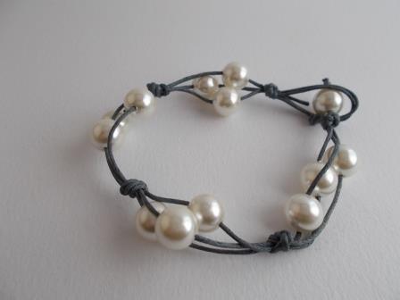 Bracciale cordino e perle
