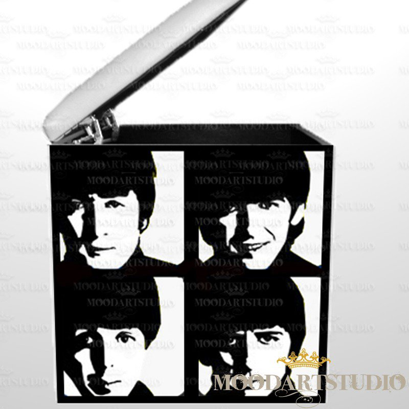 Pouf mitici Beatles pop art dipinto a mano.