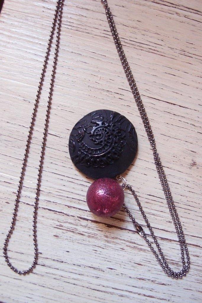 Collana Lunga con ciondolo nero e rubino gotic dark , ciondolo merletto, ciondolo nero, collana  rosso rubino, stile vintage, stile grande gatsby