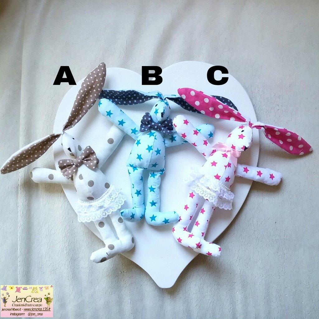 1 Coniglietto in stoffa modello a scelta tra 3 colori