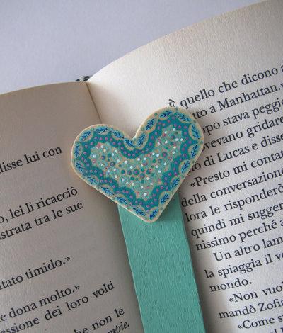 Segnalibro cuore in legno dipinto a mano 4