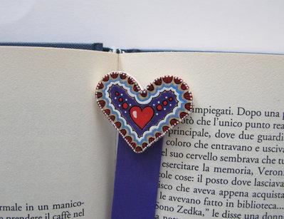 Segnalibro cuore in legno dipinto a mano 1
